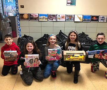 Lakeside Lions Collect Toys for Tots