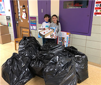 Lakeside Students Collect Toys For Tots photo